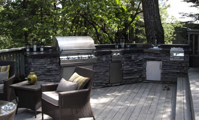Outdoor luxury outdoor kitchens grilling islands bbqs for Luxury outdoor kitchen